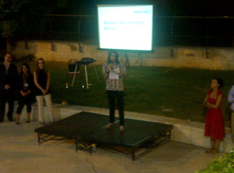 . @presentense board member Danna Hochstein Mann welcomes the #globalfellows